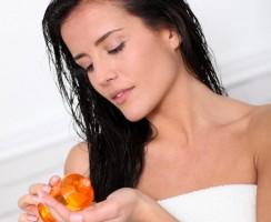 Tutto quello che devi sapere sul trattamento dell'olio per capelli (FAQ)